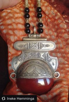 Tuareg necklace with Carnelean & Onyx Beads, Niger More Info: https://www.etsy.com/listing/482603928/tuareg-necklace-with-carnelean-onyx