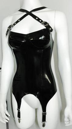 Latex Baske w / 4 Strapse Latex Corset, Latex Dress, Latex Outfit, Sexy Latex, Mode Latex, Look Fashion, Fashion Goth, Steampunk Fashion, Fetish Fashion