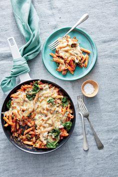 One-Pot Cheesy Pasta Bake Pasta Casserole, Casserole Recipes, Baked Pasta Recipes, Cooking Recipes, Easy Recipes, Light Recipes, Easy Cooking, Cooking Ideas, Chicken Recipes