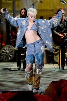 Miley Cyrus: At the point when Miley does denim she does it decimated, astonished, larger than average and ombre-colored. Take notes!