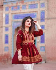 A thread on my ethnic/cultural wear. I get this question all the time where I shop such kurtas from so mentioning some of my ALL time… Stylish Dress Designs, Stylish Dresses For Girls, Stylish Blouse Design, Designs For Dresses, Simple Dresses, Casual Dresses, Simple Pakistani Dresses, Pakistani Fashion Casual, Pakistani Dress Design