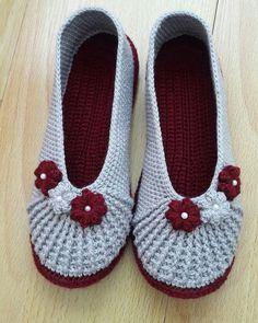 Needlework of Çiğdem Crochet Sandals, Crochet Shoes, Crochet Slippers, Girls Haircuts Medium, Baby Knitting Patterns, Crochet Patterns, Crochet Slipper Pattern, Ballerina Slippers, Knitted Booties