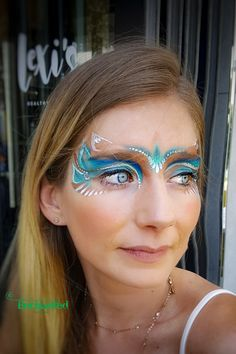 These colours compliment her eyes so beautifully! Adult Face Painting, Painting For Kids, Professional Face Paint, Face Painting Designs, Hula Hoop, Compliments, Fashion Beauty, Hair Accessories, Glitter