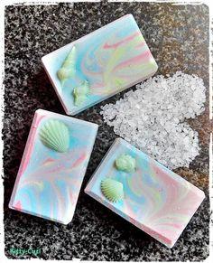 """Kitty-Curl's verlockende Seifenblasen-Haargeheimnisse: """"Salty Waterlily"""" - oder mein erstes Salzseifchen und ein neuer Traum-Schaum-Hütten-Zauber..."""