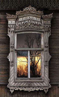 Russian wooden house, window with carved platband: I WANT THIS! I like the blonde wood and all the carvings. Wooden Architecture, Russian Architecture, Beautiful Architecture, Beautiful Buildings, Architecture Details, Old Windows, Windows And Doors, Balcon Juliette, Window Dressings