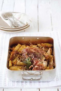 Κατσικίσιο μπούτι ψητό στον φούρνο Lamb, Curry, Beef, Goat, Ethnic Recipes, Greece, Clever, Dinners, Spring