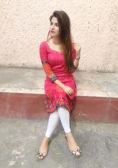 Beautiful kameez and trouser - Indian Hot Girls Punjabi Salwar Suits, Patiala Salwar, Anarkali, Beautiful Girl Photo, Cute Girl Photo, Beautiful Girl Indian, Beautiful Indian Actress, Beautiful Wife, Salwar Designs