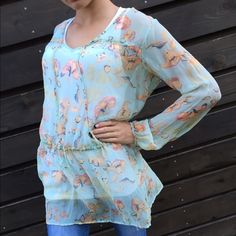 ☀SUMMER SALE☀️️Da-Nang Sheer Tonic Top Great top over jeans .. Semi sheer so you will have to wear something underneath ...no rips stains or tears...no trades no pay pal.. Da Nang Tops