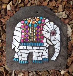 Mosaic elephant on slate Mosaic Tray, Mosaic Tile Art, Mosaic Artwork, Mosaic Crafts, Mosaic Projects, Mosaic Rocks, Mosaic Stepping Stones, Stone Mosaic, Mosaic Glass