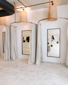 26 Best Ideas For Fitness Room Design Boutique Boutique Design, Design Shop, Boutique Decor, Shop Interior Design, Boutique Shop Interior, Retail Boutique, Fashion Shop Interior, Bridal Shop Interior, Interior Ideas