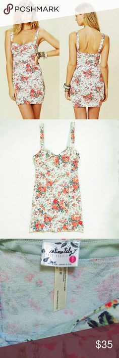 Free People Floral Dress - Light baby blue color  - Floral bodycon dress - Bustier style top  - Non adjustable straps - Size XS  - Measurements laying flat:    Underarm to underarm: 14 inches   Length: 31 inches Free People Dresses