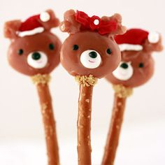 Caramel Reindeer Pops featuring the sweetness of caramel and the crunchy, salty taste of #SnydersOfHanover pretzel rods.