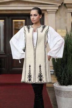 VESTA CREM - STOFA ABA - OLTENIA 1. Traditional Romanian motifs - Oltenia region Couture Fashion, Hijab Fashion, Diy Fashion, Womens Fashion, Iranian Women Fashion, Pakistani Dresses Casual, Traditional Outfits, Clothes, Templates