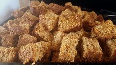 Hardloop Beskuit: A Sure thing - South African Magazine Rusk Recipe, Oatmeal Cookie Bars, Oven Pan, Large Oven, South African Recipes, Biscuit Recipe, Bite Size, Brown Sugar, Dog Food Recipes