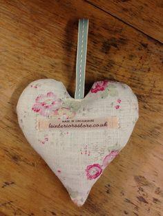 Sweetpeas Lavender Heart, £8.00