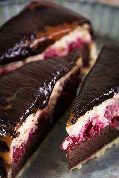 Die Seelenschmeichelei | Food- und Travelblog für Genießer: {So ziemlich der beste Cheesecake ever} Mit Himbeeren, Karamell und Schokolade