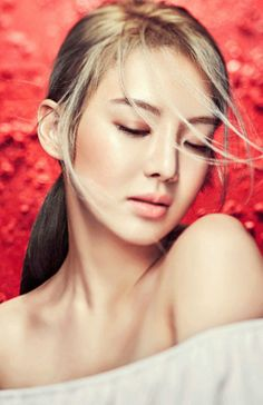 SNSD HyoYeon is a beautiful 'Red Flower' for Creative Book Taeyeon Jessica, Kim Hyoyeon, Sooyoung, Yoona, Snsd, Guys And Girls, Kpop Girls, South Korean Girls, Korean Girl Groups
