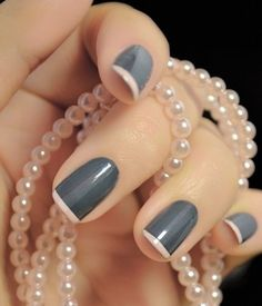 Here are the best nail polish you can use right now, they are very cheap to buy and gives the finger gorgeous look than ever. no matter what type of finger nails you have there is a polish that fits that nail and you will find it her. Easy Nails, Easy Nail Art, Simple Nails, Easy Art, Art Simple, It's Easy, Love Nails, Pretty Nails, Fun Nails