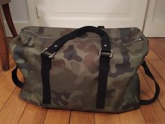 Sac weekend Boston en toile camouflage cousu par Aude - Patron Sacôtin