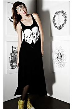 Til death do us part. Style to die for, the Lauren Moshi Daisy Skull Heart Tank Dress is effortlessly chic. This is the perfect go to tank dress when you are looking to make a statement.