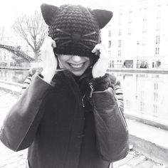 Choupette beanie by Karl Lagerfeld on the french blogger TheBrunette.fr