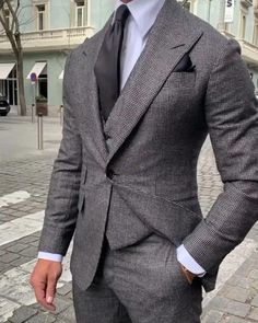 Best Suits For Men, Cool Suits, Mens Fashion Suits, Mens Suits, Fashion Fashion, Grey Suit Men, Gray Suits, Brown Suits, Formal Men Outfit