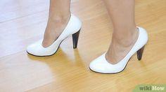 Imagen titulada Walk in High Heels Step 1