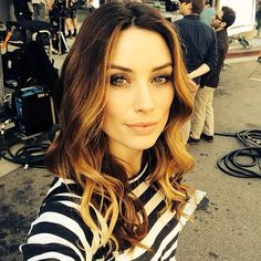 Arielle Vandenberg The Most Beautiful Girl, Beautiful Women, Arielle Vandenberg, Blonde Bangs, Hair Beauty, Beauty Bar, Fashion Beauty, Actresses, Long Hair Styles