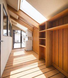 雨や降灰の時、日中留守がちな方にとっても大活躍のドライルーム編です。 House Design, House, House Bathroom, Traditional House, Japanese House, Home Remodeling, House Plans, Laundry Room Design, New Homes