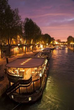 Paris at Night - France. I've lived in Paris, walked all over Paris but still not yet been on a Bateaux mouche! Paris At Night, The Places Youll Go, Places To See, Paris France, Beautiful World, Beautiful Places, Rio Sena, Ville France, France Travel