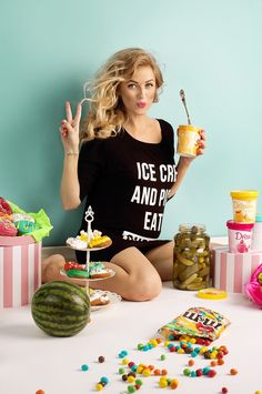 Pregnancy Announcement - Ice Cream and Pickle Eating Superstar Mamagama Maternity Top #maternity #pregnant
