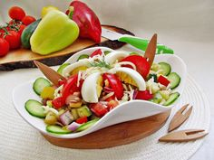 Reteta culinara Salata bulgareasca din categoria Salate. Cum sa faci Salata bulgareasca