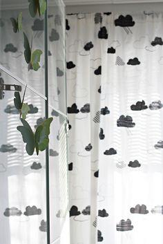 Perhoset lastenhuone