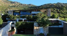 Snooze in Hout Bay - This unusual modern artistic house in Hout Bay village, 20 km from Cape Town, is situated on the slopes of Constantiaberg, the location of Chapman's Peak, one of the most beautiful scenic drives in the ... #weekendgetaways #houtbay #southafrica