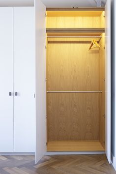 Made by Greg Cox - Fitted Wardrobes