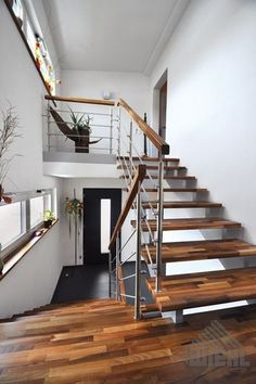 HOW Stairs: Saddled stairs - Treppe - Tea Glasses Beautiful Houses Inside, Beautiful Stairs, Beautiful Homes, Interior Stairs, Interior Architecture, Style At Home, House Inside, Stair Railing, Blue Bedroom