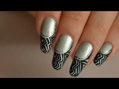 Nail art aztec tribal black&white - http://www.nailtech6.com/nail-art-aztec-tribal-blackwhite/