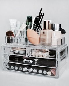 Beauty blender storage make up organizer foundation skin care travel container . Makeup Storage Trays, Acrylic Makeup Storage, Make Up Storage, Makeup Organization, Storage Ideas, Storage Drawers, Dorm Storage, Storage Boxes, Storage Design