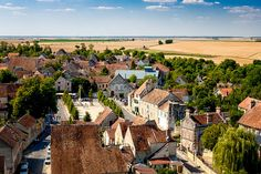 Interested in escaping Paris for the day? Here's a guide to visiting the lovely Provins, France--including sites and restaurants.