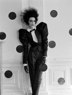 #HanneloreKnuts by #TimWalker for #VogueItalia -- #BowTie