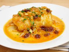 bacalao a la miel Cod Fillet Recipes, Food Decoration, Canapes, Fish And Seafood, Tapas, Food To Make, Curry, Food And Drink, Cooking Recipes