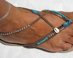 Sandals Summer Sandales, sandales Boho, l'été, Havaianas, Thong sandale, sandales plates, sandales Flip Flops, chaussures de Bohème, perles tongs, Coachella - There is nothing more comfortable and cool to wear on your feet during the heat season than some flat sandals.