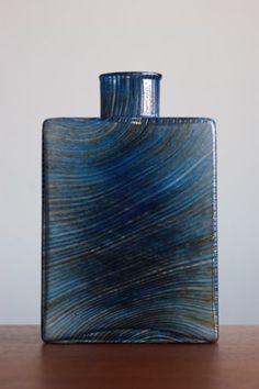 Nuutajarvi I Finland Kaj Franck I Filigree Bottle Glass Design, Design Art, Colored Glass Vases, Scandinavian Art, Vintage Pottery, Glass Collection, Clean Design, Glass Bottles, Finland