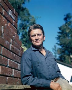 Kirk Douglas......Uploaded By www.1stand2ndtimearound.etsy.com