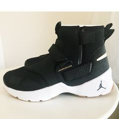 low priced 86f5a 7cf4b Jordan Shoes   Nwt Nike Jordan Trunner Lx High   Color  Black Gold   Size   11