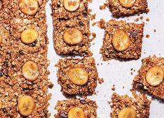 Make these refined-sugar-free flapjacks with banana and dates – all the sweetness comes from the date syrup Gluten Free Recipes, Gourmet Recipes, Dog Food Recipes, Snack Recipes, Cooking Recipes, Snacks, Vegan Recipes, Sugar Free Flapjacks, Chocolate Flapjacks