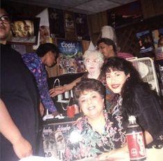 Selena Quintanilla Perez, Selena And Chris Perez, Latin Women, I Miss Her, Aaliyah, Role Models, Pop Culture, Dancer, Couple Photos