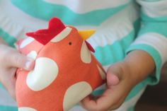 Sewing For Kids chicken bean bag tutorial - These chicken bean bags are just about the cutest things that you can make with your sewing machine. Use them as pin cushions, bean bags or even rice packs! Sewing Patterns For Kids, Easy Sewing Projects, Sewing For Kids, Sewing Tutorials, Sewing Crafts, Sewing Toys, Sewing Ideas, Stuffed Animal Bean Bag, Animal Bean Bags