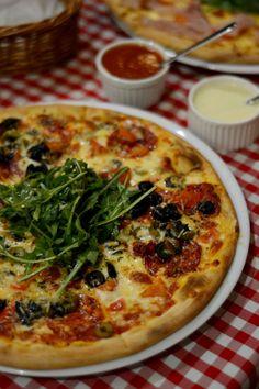 Dominium Pizza Obor, un restaurant exclusiv pentru nefumători - FoodCrew Restaurant, I Foods, Vegetable Pizza, Vegetables, Eat, Cooking, Cucina, Diner Restaurant, Veggies