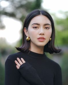 ~ Living a Beautiful Life ~ Davika Hoorne - cute bob My Hairstyle, Cute Hairstyles, Female Hairstyles, Vintage Hairstyles, Hairstyle Ideas, Bob Hair, Short Hair Styles, Natural Hair Styles, Corte Y Color